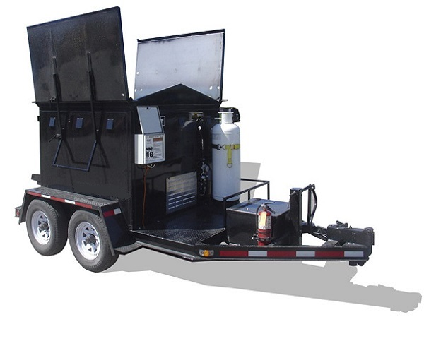 Термос-бункер рециклер на прицепе для регенерации и перевозки асфальта на 3 тонны 3BТ можно использовать 365 дней в году. Нагревательный процесс может длится от 8-12 часов в зависимости от температуры окружающей среды и количества асфальта.